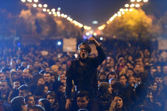 4803368_6_6d58_les-manifestants-dont-certains-brandissaient_c039ab57c9454508930db8745ff1111a