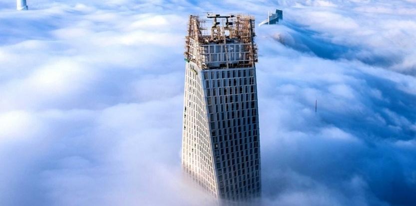Duba une tour encore plus haute camille sanchez for Tour les plus hautes