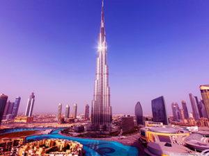 Tour Burj Khalifa (828 m), actuellement la plus haute au monde. Dubaï, 2009.
