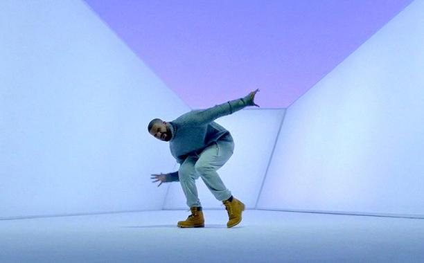 Le clip met Drake seul en scène. Sa manière de danser créé rapidement le buzz.